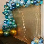 shades of blue garland balloon design
